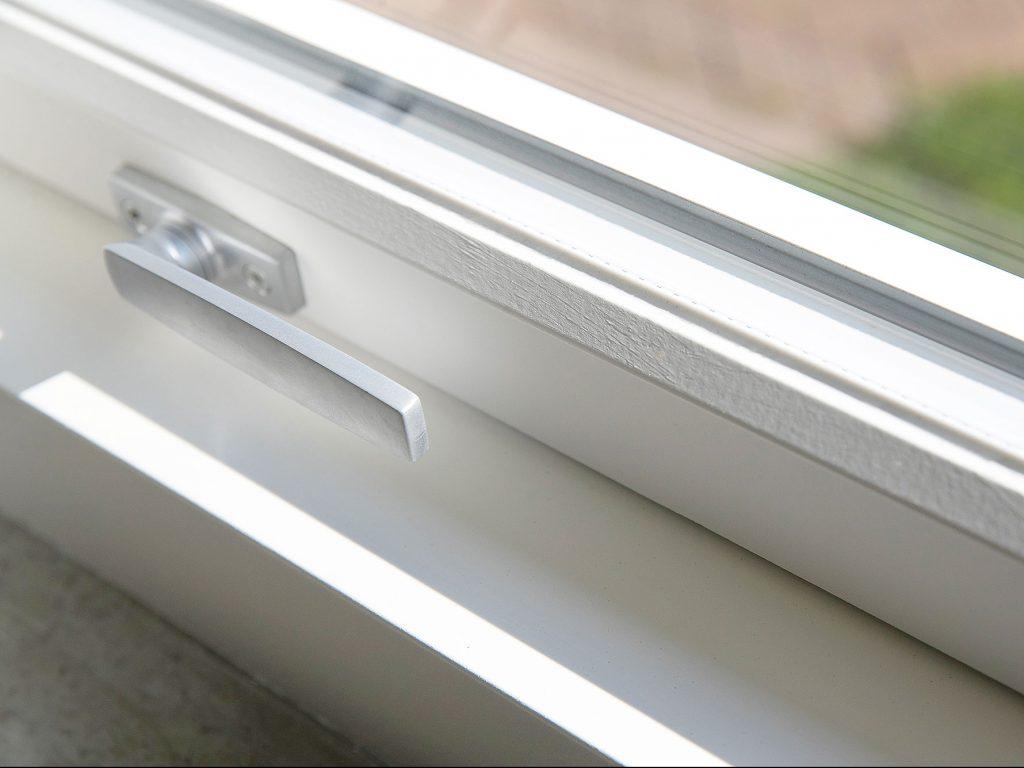 DOFAB Nord fönster trä alu närbild trycke