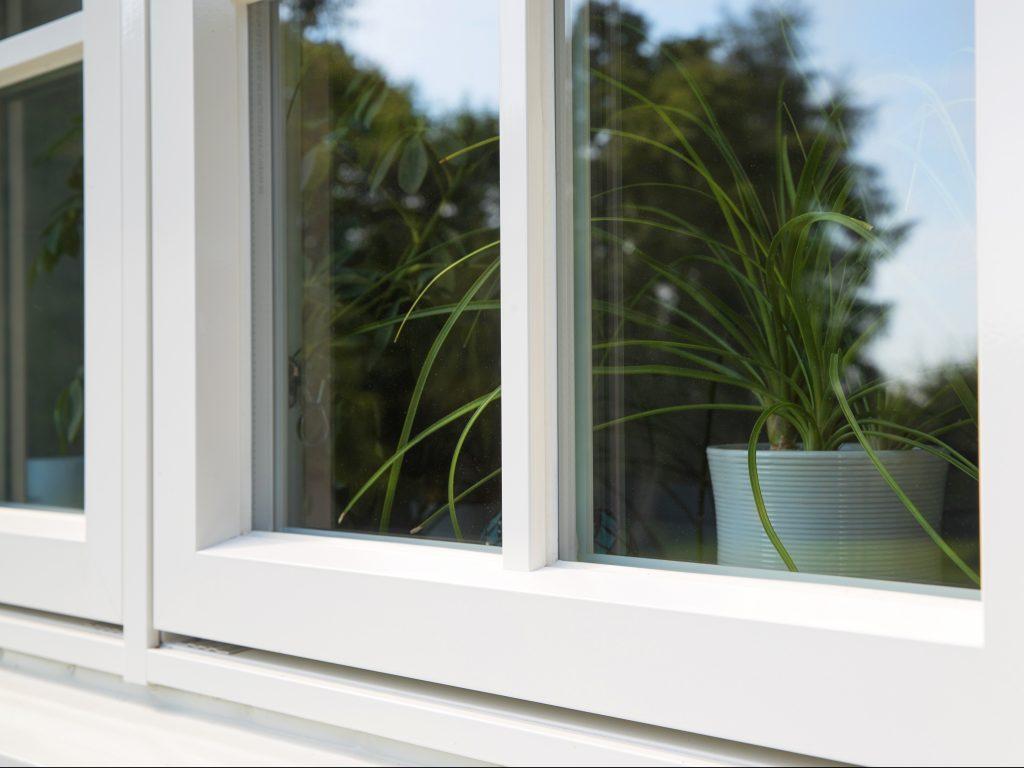DOFAB Kultur fönster trä/alu med rak spröjs